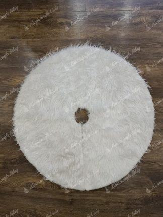 Fehér szőnyeg karácsonyfa alá